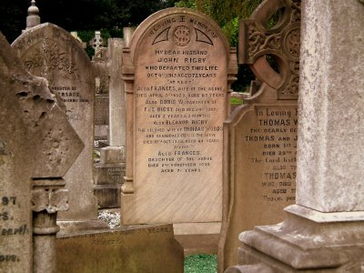 Eleanor Rigby's grave and other curious funerary auctions